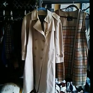 VINTAGE BURBERRY TRENCH 12P